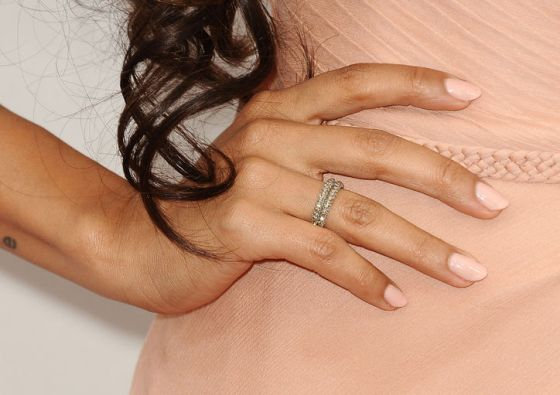 peach-roselyn-sanchez-nude-nail-polish-w724